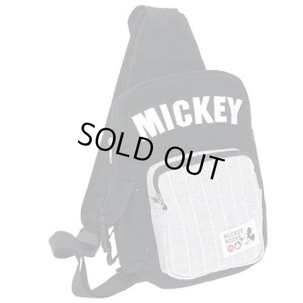 画像1: ミッキーマウスMICKEY刺繍入りボディバッグ黒 (1)