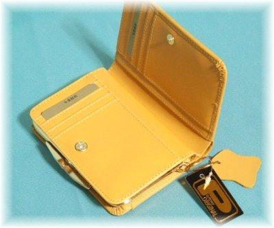 画像1: レディース向けコンパクトで使いやすい化粧箱入りふくろう本革がま口二つ折り財布(2色有)