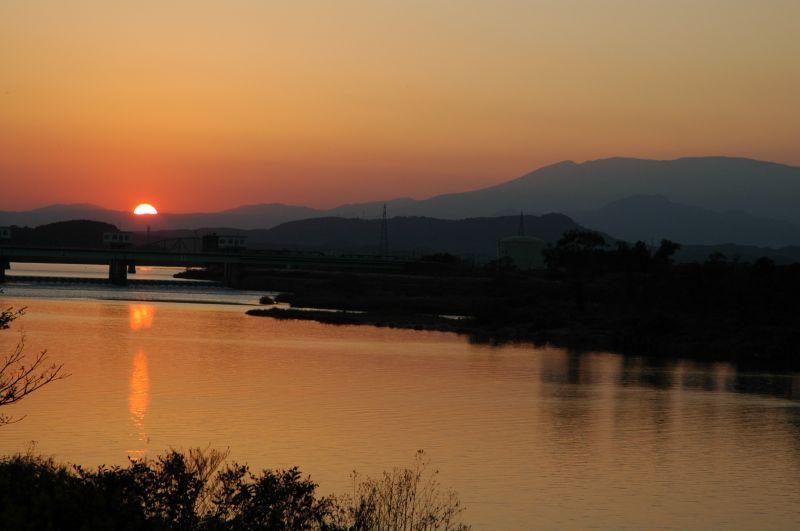 阿武隈川と蔵王と夕焼け